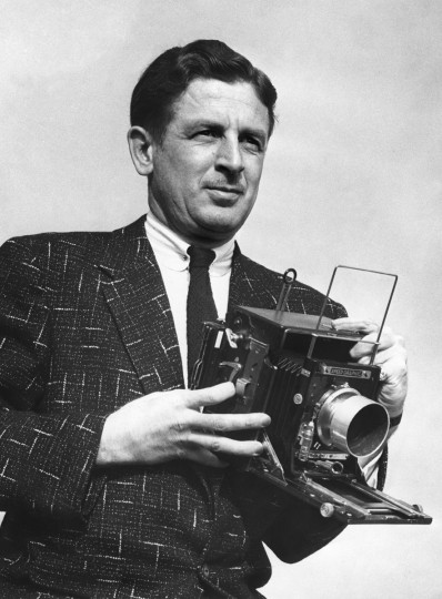 Baltimore Sun news photographer Joseph A. DiPaola, Jr. with a 4x5 Speed Graphic camera. (Baltimore Sun file photo)