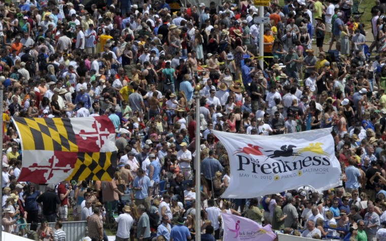 The infield crowd gathers as the Zac Brown Band performs prior to the 2010 Preakness Stakes. (Jerry Jackson/Baltimore Sun)