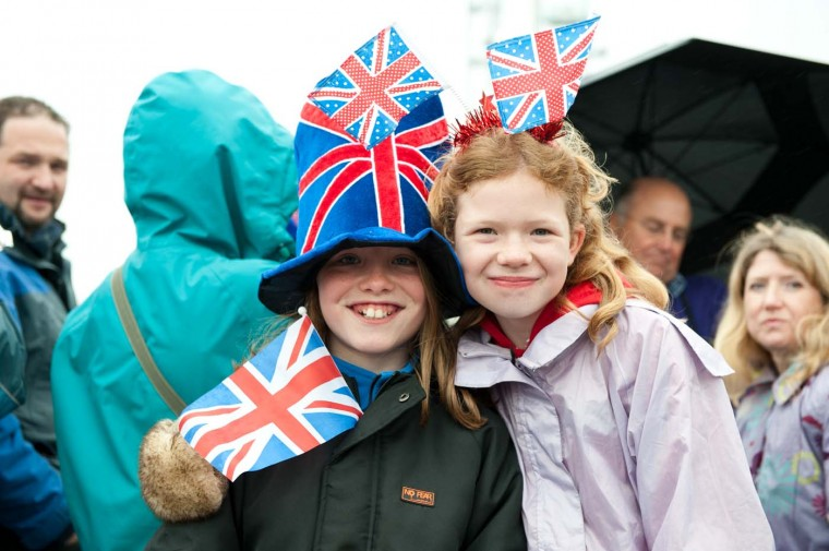 Members of the public enjoying the Diamond Jubilee Thames River Pageant on June 3, 2012 in London, England. (Adam Jacobs/Getty Images)