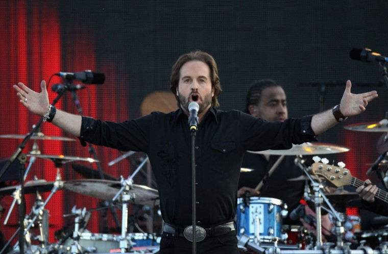 Singer Alfie Boe performs on stage during the Diamond Jubilee concert at Buckingham Palace on June 4, 2012 in London, England. (Dan Kitwood/Getty Images)