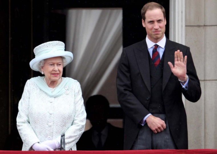 Queen Elizabeth II and Prince William, Duke of Cambridge on the balcony of Buckingham Palace after the service of thanksgiving at St.Paul's Cathedral on June 5, 2012 in London, England. (Oli Scarff/Getty Images)
