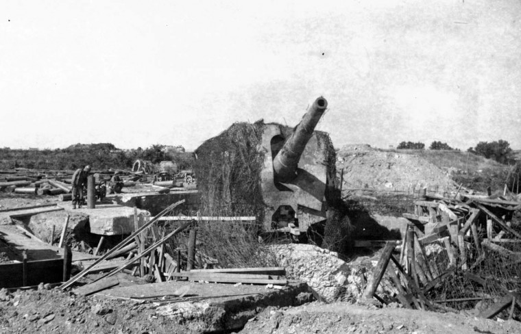 One of the big naval guns captured by the 29th division at Le Conquet on June 6, 1944. (Holbrook Bradley/Baltimore Sun)