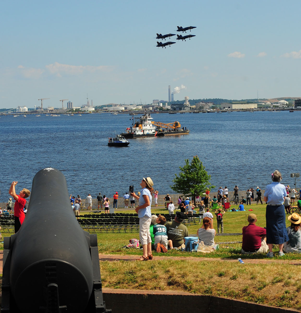 Crowds watch Friday's practice for the air show. (Gene Sweeney Jr. /Sun Photographer)