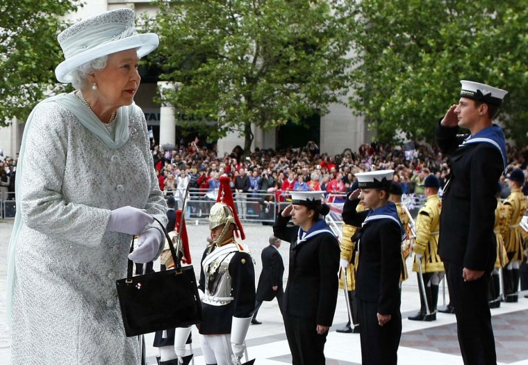 Britain's Queen Elizabeth arrives for a Diamond Jubilee service at St. Paul's Cathedral in London June 5, 2012. (Tim Hales/Reuters)