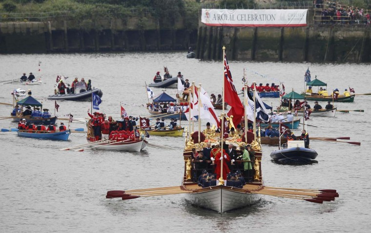 Boats of all shapes and sizes take part in a pageant in celebration of the Queen's Diamond Jubilee, along the River Thames in London June 3, 2012. (Andrew Winning/Reuters)
