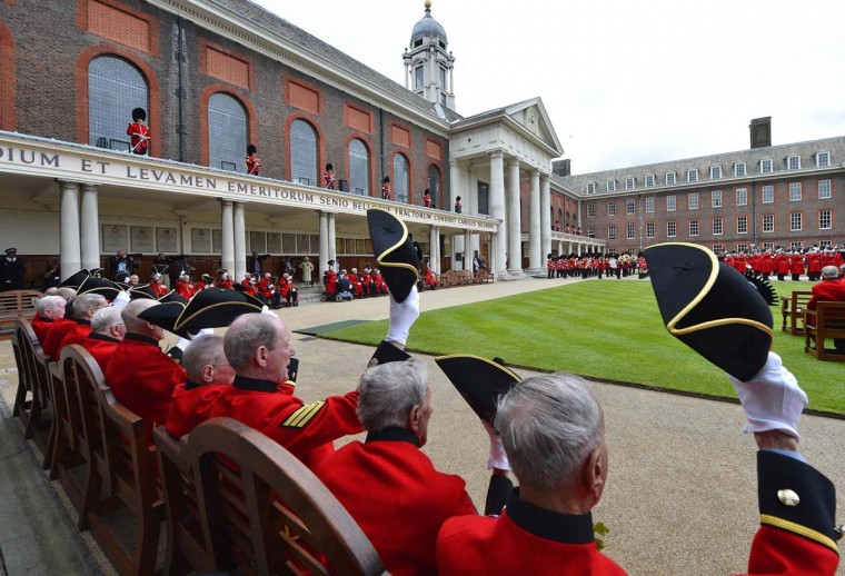 Chelsea pensioners attend the annual Founder's Day parade at the Royal Hospital in Chelsea, London. (Miguel Medina/Getty Images)