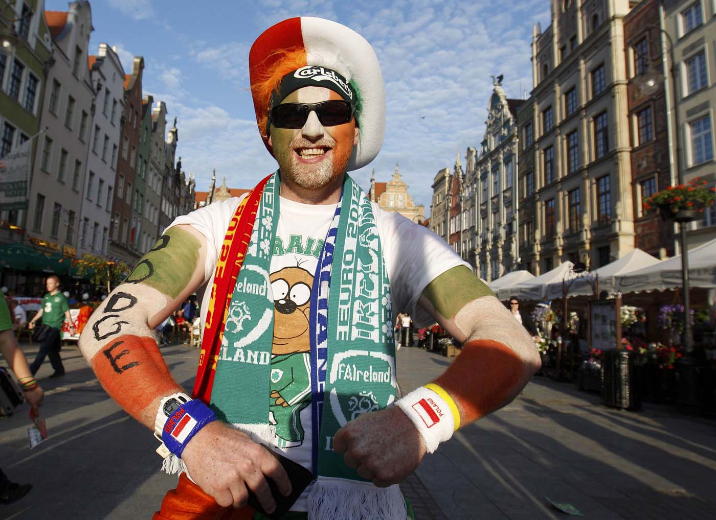 An Irish soccer fan posses for a photo at Long Market in Gdansk, June 13, 2012. Peter Andrews/Reuters)