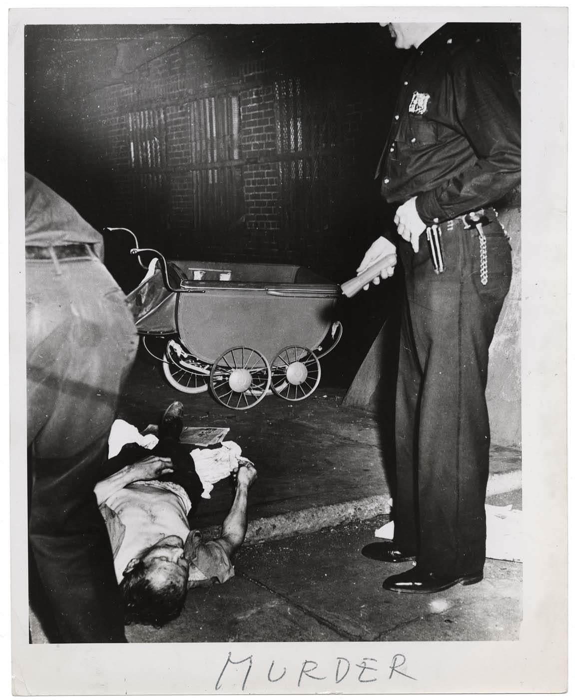 Murder, ca. 1940. Taken by Weegee. (Courtesy: International Center of