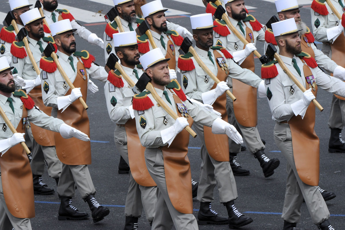 Soldiers from french foreign legion take part in the annual bastille