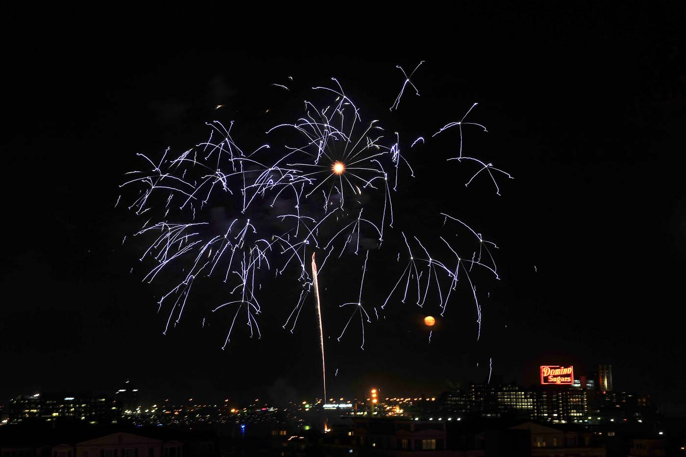 BALTIMORE, MD - July 04: Fourth of July fireworks over the Inner Harbor as seen from Federal Hill. (Kim Hairston/Baltimore Sun)