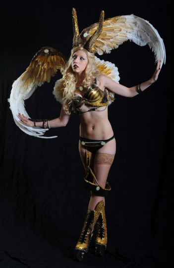 "Rachel Kapuszcak, of Greenville, NC., dressed as Angelus from ""Witchblade."" (Kenneth K. Lam/Baltimore Sun)"