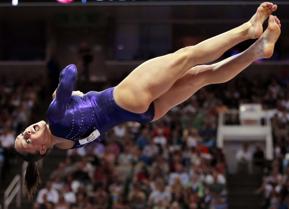 U s gymnast jordyn wieber performs her floor exercise for Floor gymnastics