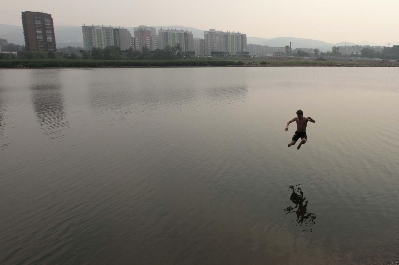Фото летом купаются на речке 21 фотография