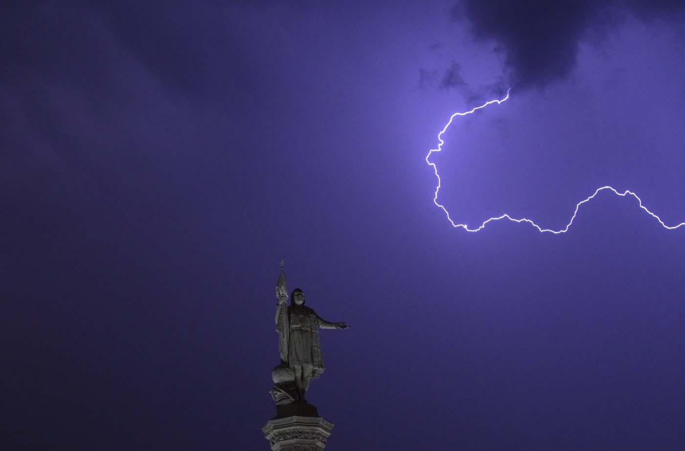 My Blog Verwandt Mit Lightning: Lightning , Madrid . 閃電 , 馬德里.The Lighthouse