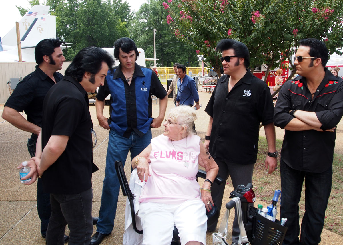 On the 35th anniversary of Elvis Presley's death, impersonators won't be cruel