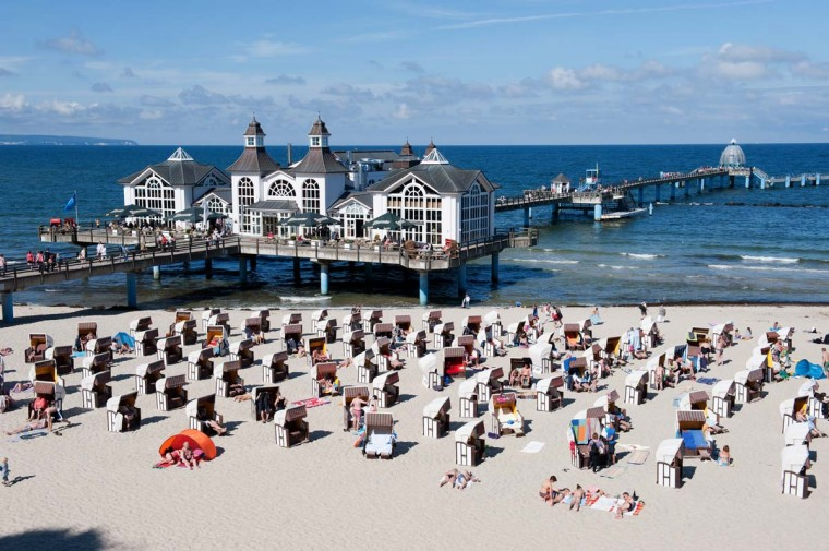 Tourists enjoy summer weather at the beach in Sellin on Ruegen, eastern Germany. Meteorologists forecast temperatures up to 32 degrees in Germany for the coming weekend. (Stefan Sauer/Getty Images)
