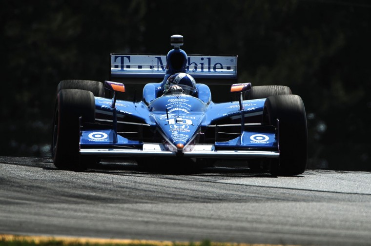 Team Ganassi driver Dario Franchitti, who is in 1st place in the points battle, racing at an August 7, 2011 IndyCar series event in Ohio. (Gene Sweeney Jr./Baltimore Sun)