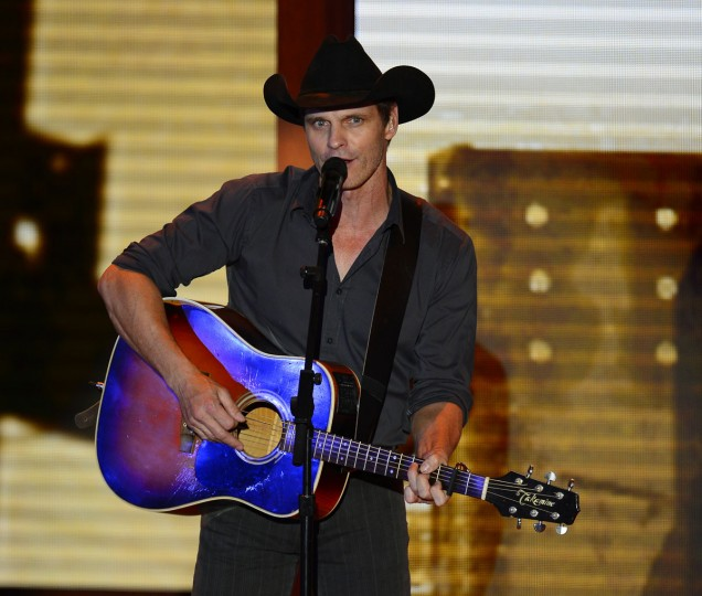"""Lane Turner sings """"I Built It"""" at the second day of the Republican National Convention in Tampa, Florida, Tuesday, August 28, 2012. (Harry E. Walker/MCT)"""