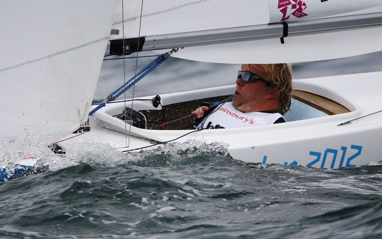 Norway's Bjornar Erikstad controls the sail using his mouth as he competes in the Single Person Keelboat (2.4mR) sailing competition during the London 2012 Paralympic Games in Weymouth and Portland, southern England September 2, 2012. (Luke MacGregor/Reuters)
