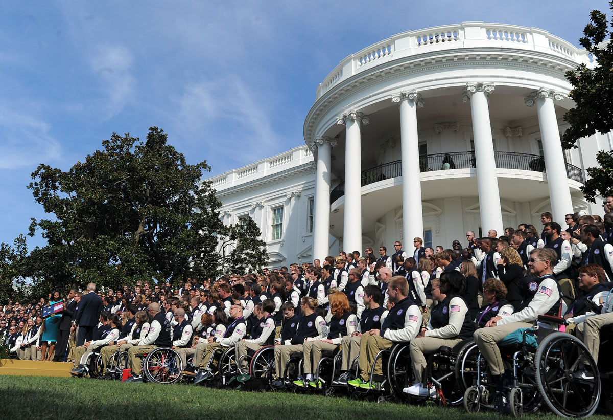 Obamas honor Olympic and Paralympic athletes