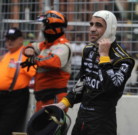 Driver Dario Franchitti expresses his dismay after his car stalled out just prior to turn 12 on the final laps of the Grand Prix of Baltimore. (Robert K Hamilton/Baltimore Sun)