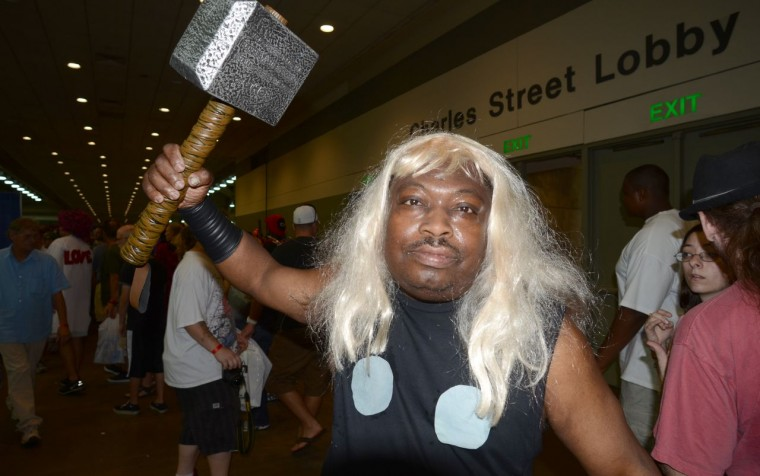 Hammer in hand, Thor at Baltimore Comic-Con. (Credit: J.M. Giordano)