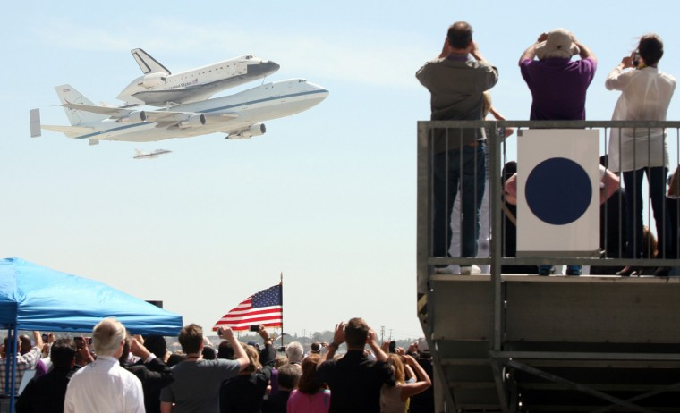 The space shuttle Endeavour lands at LAX Friday, September 21, 2012, in Los Angeles, California. (Bryan Chan/Los Angeles Times)