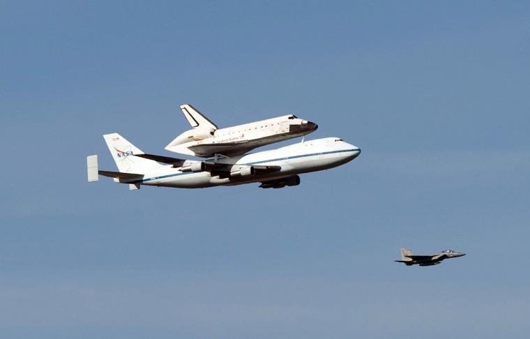 Space Shuttle Endeavour mounted on NASA's Shuttle Carrier Aircraft (SCA) flies over Sacramento, California on Friday morning. (Randy Pench/Sacramento Bee/MCT)