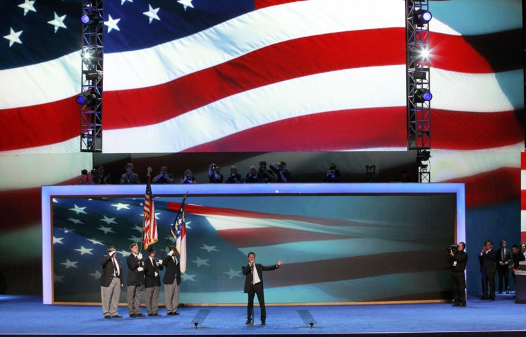 Singer Marc Anthony sings the national anthem during the final session of the Democratic National Convention in Charlotte, North Carolina September 6, 2012. (Jason Reed/Reuters)