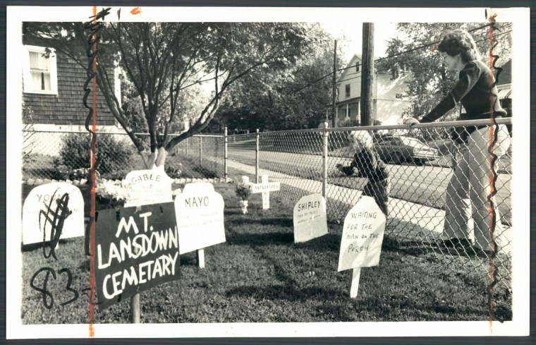 Halloween scene from Lansdowne, Md. Oct. 29, 1975. (Joseph DiPaolo/Baltimore Sun)
