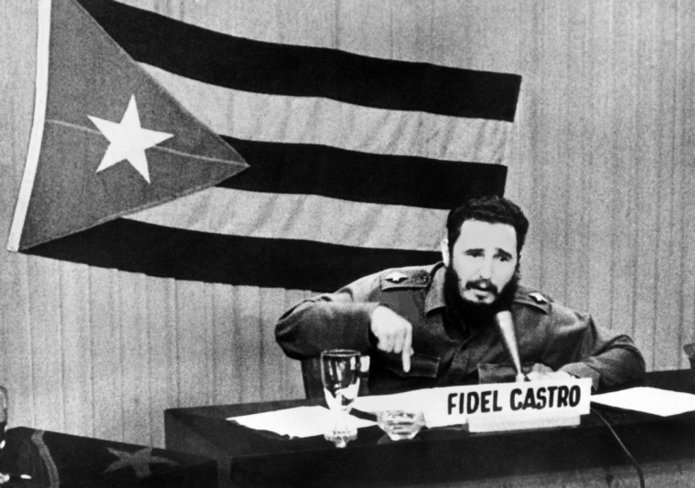 Cuban leader Fidel Castro gives a speech in Cuba circa October 22, 1962 during the Cuban missile crisis. (File photo/AFP/Getty Images)