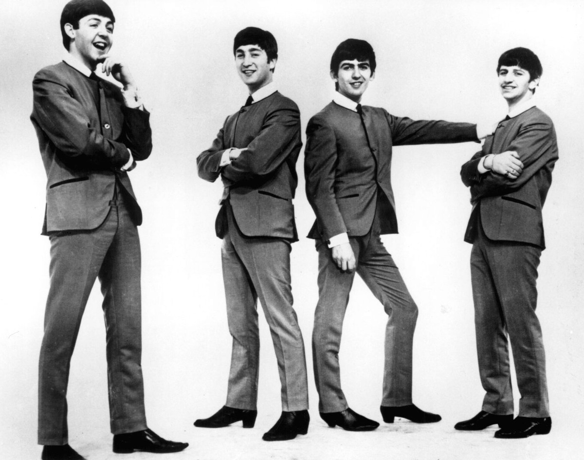 "the interesting story behind the beginnings of the beatles In the beatles' vast hit catalog, some great songs are forgotten one of the less remembered track's is ""hey bulldog"" and did you know she has an interesting composition story."