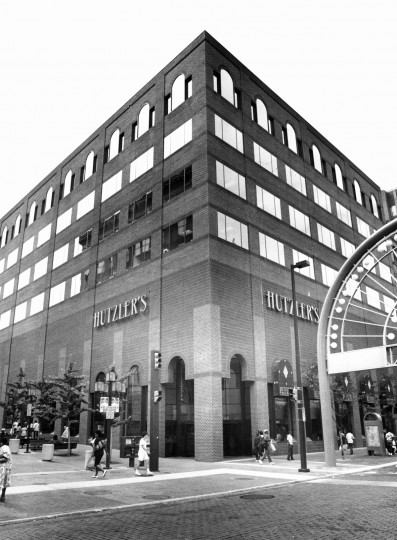 Hutzler's Brothers downtown branch on Howard Street. August 15, 1987. (Baltimore Sun)