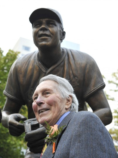 The Baltimore Orioles unveil the Brooks Robinson statue at Camden Yards Sept. 29, 2012 before the Orioles vs. Boston Red Sox baseball game. (Lloyd Fox/Baltimore Sun)