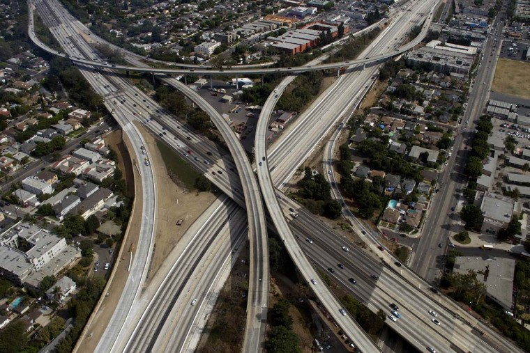 The empty 405 freeway looking southbound running underneath the 10 freeway is shown in this aerial photo in Los Angeles, California September 29, 2012. (Gina Ferazzi/Reuters)