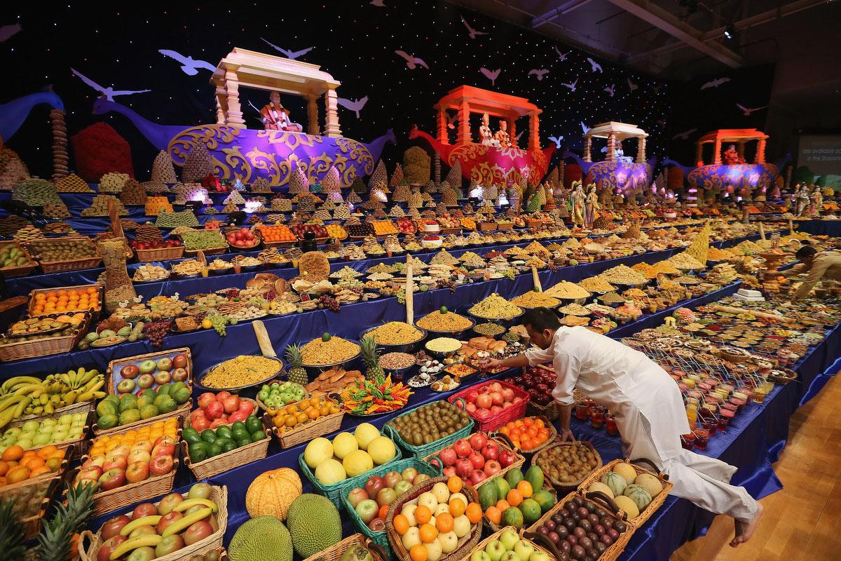 Diwali at the BAPS Shri Swaminarayan Mandir in London, England ...