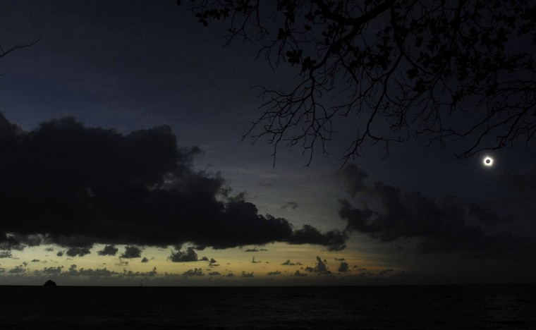 Totality is seen during the solar eclipse at Palm Cove on November 14, 2012 in Palm Cove, Australia. (Ian Hitchcock/Getty Images)