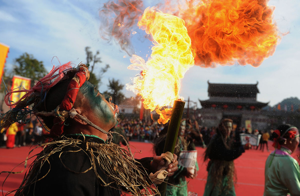 Nov. 9 Photo Brief: Intangible Chinese culture, Syrian refugees, Body Worlds in Honduras and a Sri Lankan prison riot
