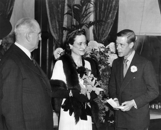 A royal visit in 1941 by the Duchess of Windsor, center and Duke of Windsor. (Robert F. Kniesche/Baltimore Sun)
