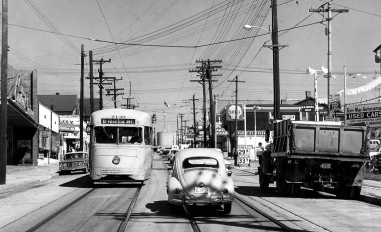 In October of 1963 Number 8 street cars still were a familiar sight in Towson. But soon they would be replaced by buses. (Robert F. Kniesche/Baltimore Sun)