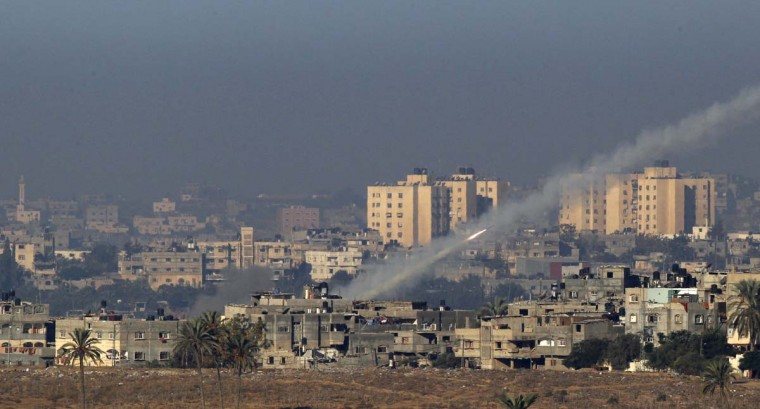 A rocket is seen after its launch from the northern Gaza Strip towards Israel. Israel exchanged the fiercest fire with Hamas in years after assassinating its military mastermind and threatening a wider offensive in the Gaza Strip to stem Palestinian rocket salvoes. (Ronen Zvulun/Reuters photo)