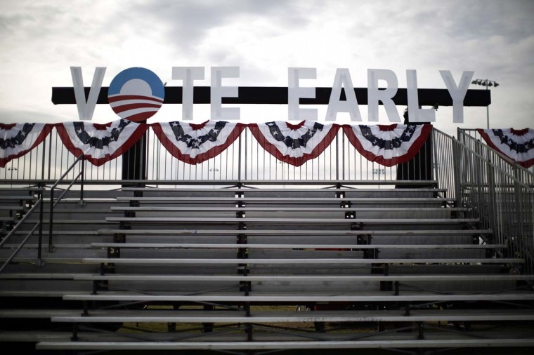 A Vote Early sign is pictured before supporters of U.S. President Barack Obama arrive to participate in an election campaign rally in Las Vegas, Nevada, November 1, 2012. (Jason Reed/Reuters photo)