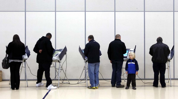 NEWARK, OH: Voters cast their ballots at Legend Elementary School during the U.S. presidential election in Newark, Ohio November 6, 2012. (Matt Sullivan/Reuters)