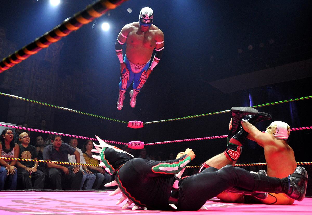 Lucha Va Voom's Cinco de Mayan show
