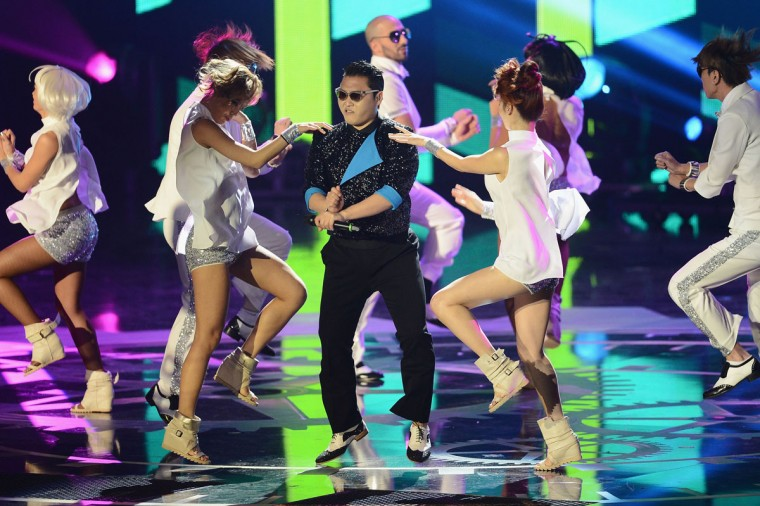 Psy performs 'Gangnam Style' onstage