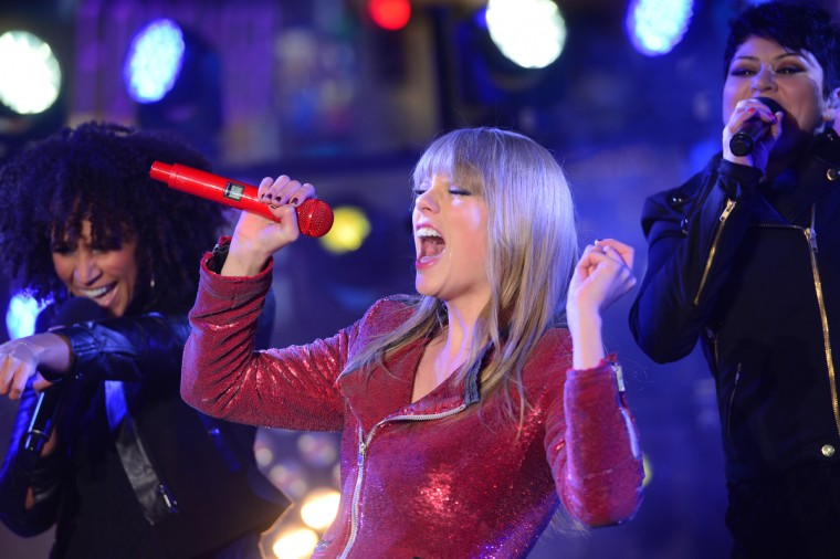 Singer Taylor Swift performs during New Year's celebrations on Times Square on December 31, 2012 in New York. (Emmanuel Dunand/Getty Images)