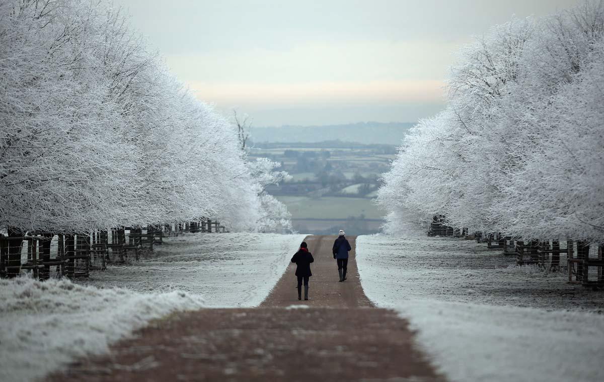 winter scenes around the world that will make you go brrr. Black Bedroom Furniture Sets. Home Design Ideas
