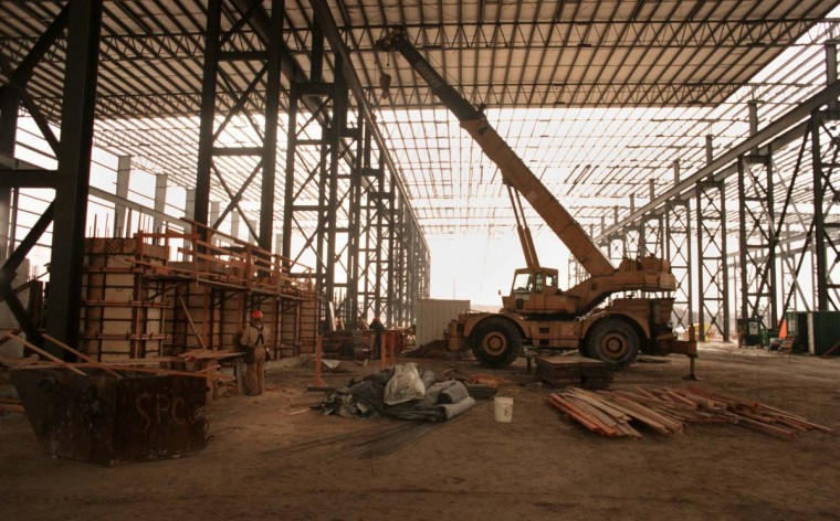 FEBRUARY 17, 1999: Construction in progress of the new mill at Bethlehem Steel at Sparrows Point. (Linda Coan/Baltimore Sun)