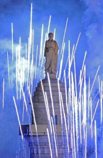 Dec. 7: Washington Monument lighting: 41st annual lighting of the Washington Monument at Mount Vernon Place to celebrate the holiday season. (Amy Davis/Baltimore Sun)