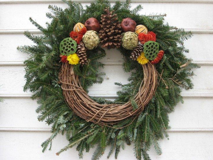 Wreath makers can use pine or grapevine. Or both. (Susan Reimer/Baltimore Sun)